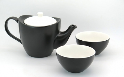 Black and white ceramic tea set Yuzo