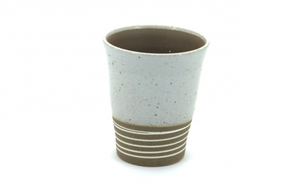 Ceramic cup with spiral