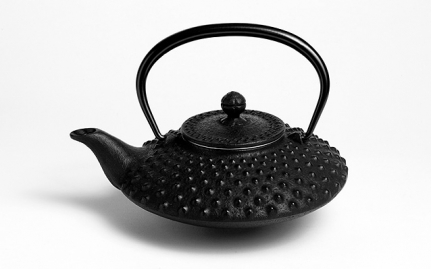Black cast iron teapot Yiwu 0,6 L