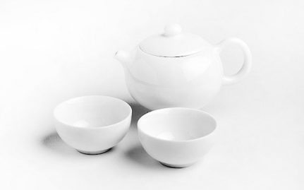 Small porcelain teapot with 2 cups Mu Dan