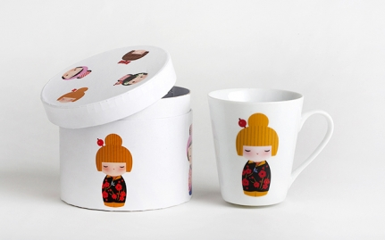 Porcelain tea mug Geisha with cherry